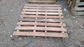 Pallet kayu baru dan bekas