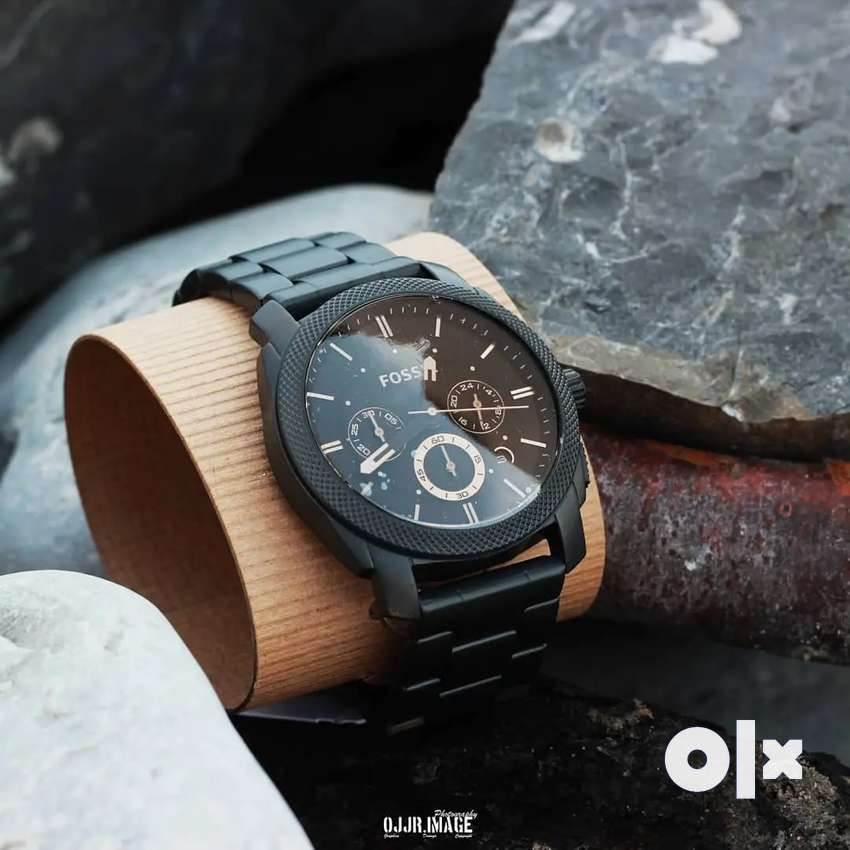 Premi um elegant fos sil chain watch CASH ON DELIVERY price negotiable