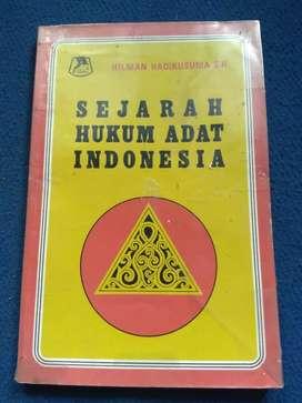 Buku sejarah hukum adat Indonesia