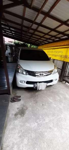 Jual cepat Toyota Avanza G matik pakaian 2013