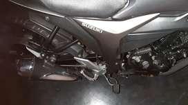 Suzuki gixxer grey colour round 2014