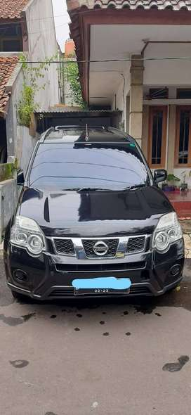 Nissan X-Trail 2.0 manual th2012 Hitam
