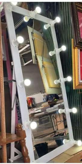 Standing mirorr+ lampu uk 160 x 50 cm Hp/wa