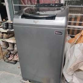 Hardly used Fully automatic whirpool washing machine