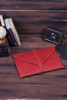 RED LEATHER LAPTOP CASE