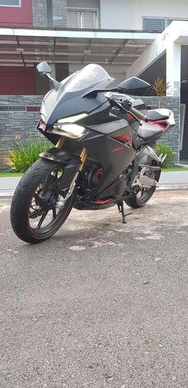 Honda CBR 250RR Black