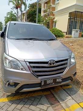 Toyota Innova V Matic Luxury Tahun 2014  Warna silver Apik Sekali