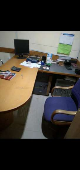 Exactive table and chair office furniture