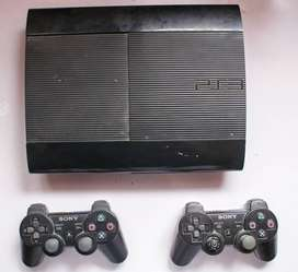 PlayStation 3 with Box, 2 Controllers and 5 Games