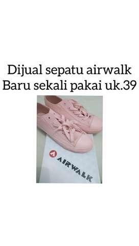 Dijual sepatu kets AirWalk