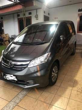Jual Honda Freed PSD a/t 2013 mulus luar dalam