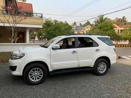 Well maintained Fortuner (Amana service only)