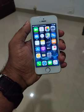 I phone 5 Se 32 gb  less used
