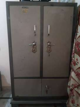 Iron Cupboard / Wardrobe for Sale in very Good Condition
