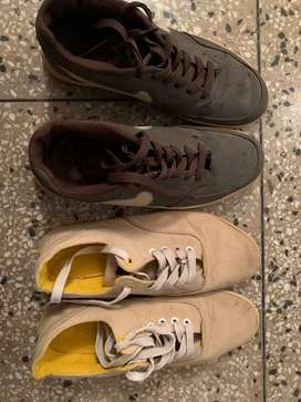 Set of 2 sports shoes
