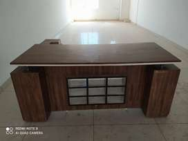 Office table rarely used excellent condition