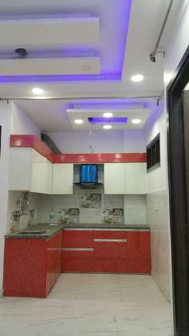 3 BHK FULLY FURNISHED BUILDER FLOOR WITH CAR PARKING