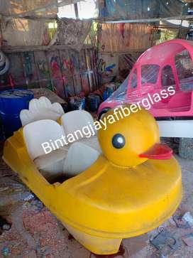 sepeda air bebek kuning,sepeda air murah,perahu air bebek murah ready