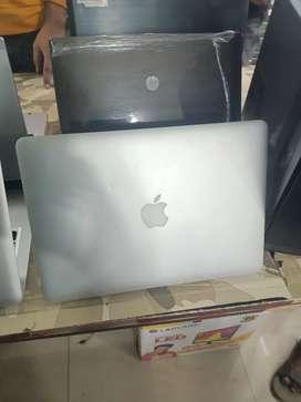 Apple MacBook Air Core i5 Ram 4 gb SSD 128 gb 1 year warranty