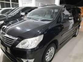 Toyota Innova V MT bensin 2012