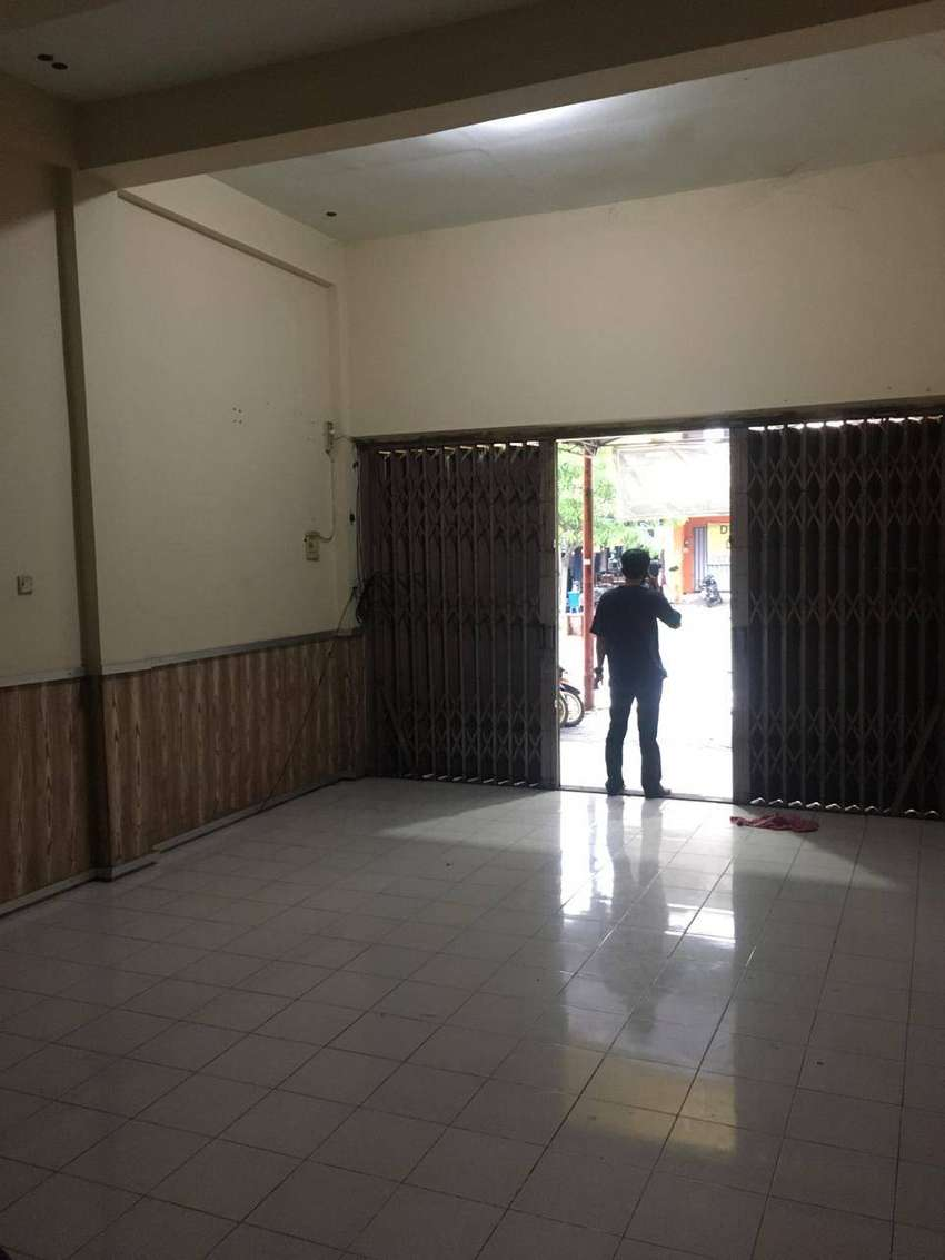 Disewakan Ruko LT 90 m2 (4.5 x 20) LB 180 m2 di Jl Kalimantan GKB Gres