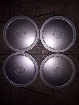 TOYOTA 98 ORGINIAL WHEEL CUPS ARE AVAILABLE FOR SALE