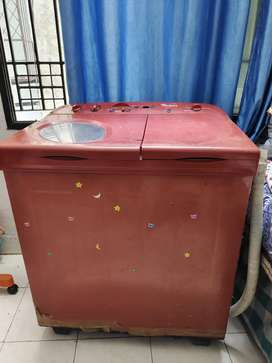 WHIRLPOOL SEMI AUTOMATIC WASHING MACHINE with Working Dryr and Washer