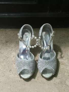 fancy bridal heels.8 no.use for few hours for sale in reasonable price