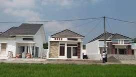 Beli rumah bonus pagar di selatan kota yogyakarta