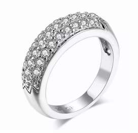1 karet silver plated Ring with daimond zercon for women and grils.