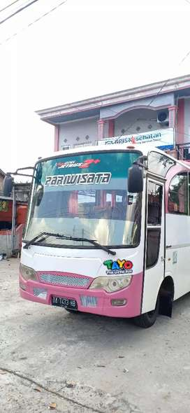 Bus medium tahun 2013/2014 kursi 32 mitsubishi canter 125
