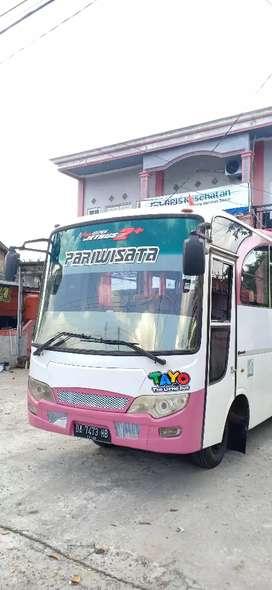 Bus medium tahun 2013/2014 kursi 32 mitsubishi canter 125