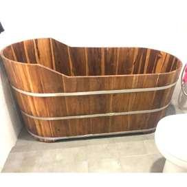 Bathtub Antik Handmade dari Kayu