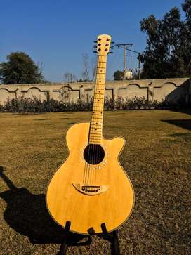 Acoustic guitar by kanon (canon)