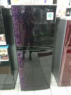 Kulkas sharp 2 pintu ungu