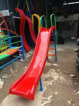 Perosotan Super Anak dan Taman Bermain