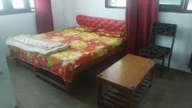 Rent r rooms on main road nigeen and nic rooms