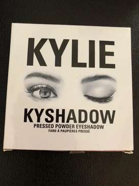 Kylie cosmetic shadow palette proginal