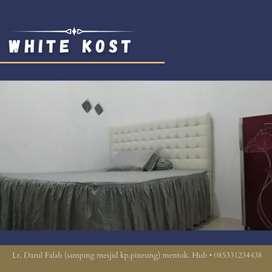 White Kost pria/keluarga Lampineung hrga mulai 99rb (ac & wc dlm)