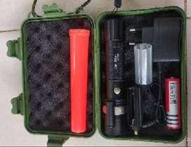 Senter Police Swat Led Cree bisa zoom fokus + laser merah batere caz m