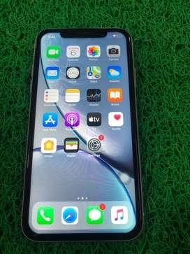 I phone XR 64 gb silver