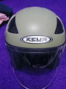 Helm zeus 610 mate green size L