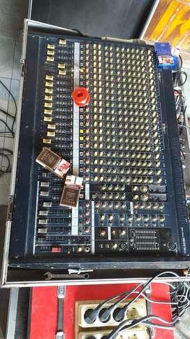 Di jual satu set sound system sound lapangan sound rejing lengkap