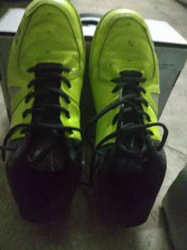 Unused and new badminton sports shoes