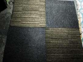 Karpet tile ex bekas berkualitas dan berbahan nylon