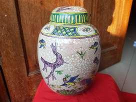 Guci keramik pajangan