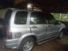 Dijual suzuki escudo tahun 2001