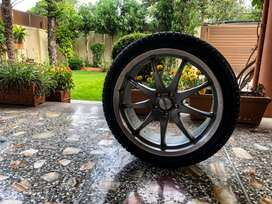 Low profile tyres / alloy rims.