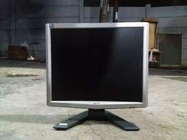 """Monitor acer 17"""" normal."""