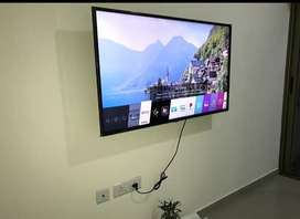 LG LED 3 month old no scratch good condition urgent sell